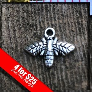 ❤️4 for $25❤️ Tibetan Silver Fly Charm NWOT